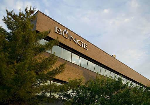L'entreprise déplace son siège social de New York à Saint-Louis, dans le Missouri, un endroit plus stratégique.